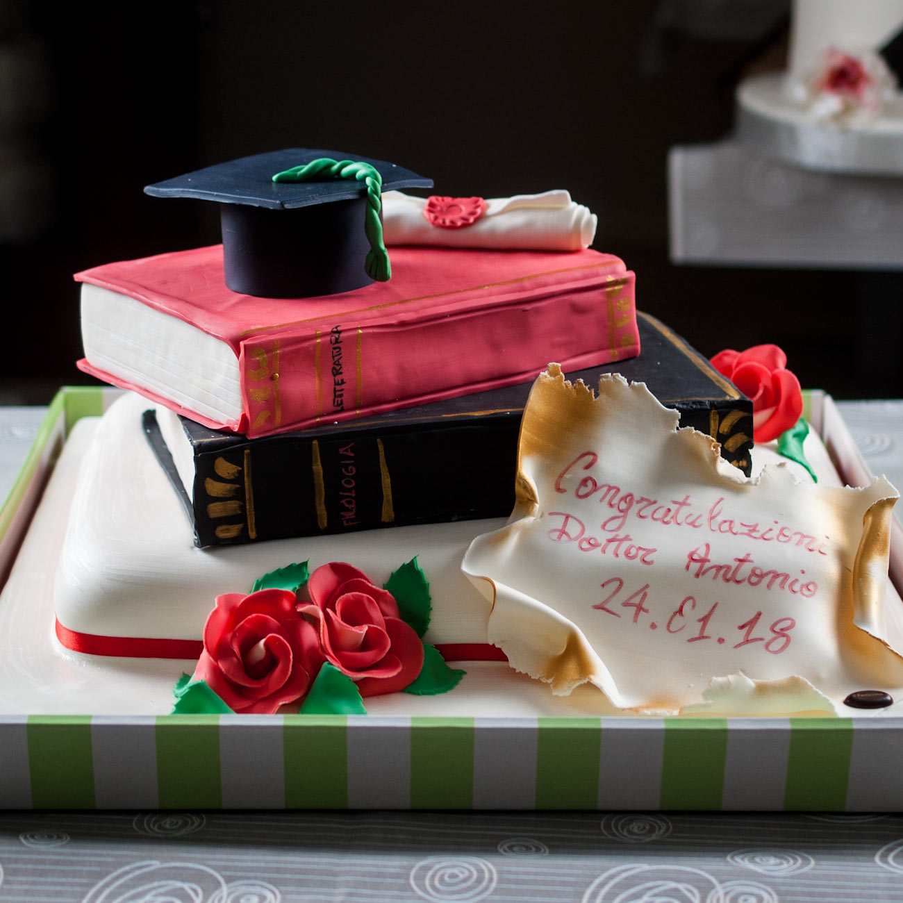 Torta pasticcera cerimonia laurea